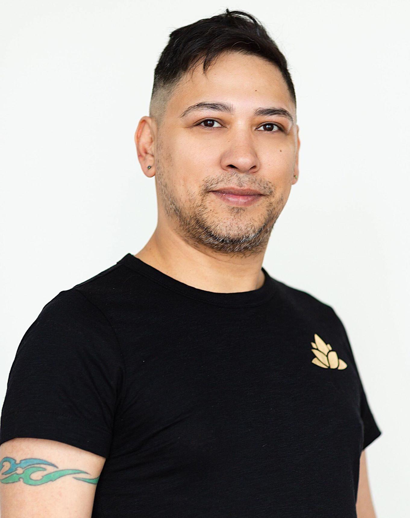 Leo Gonzalez Massage Therapy L+A Healing Studio